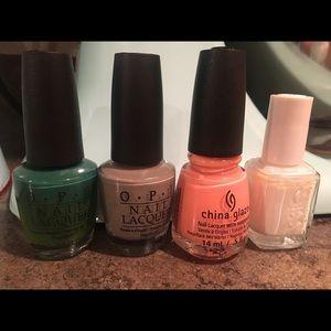 Set of 4 Nail Polishes